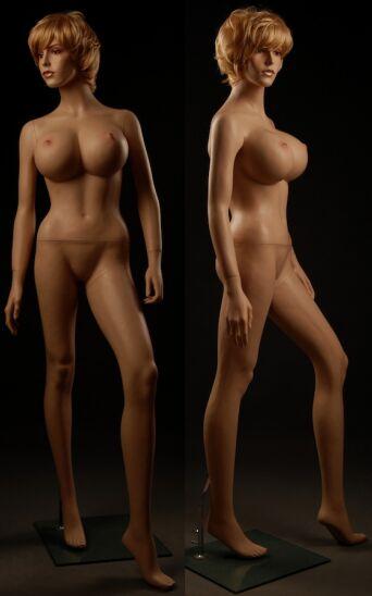 Показ голых манекен